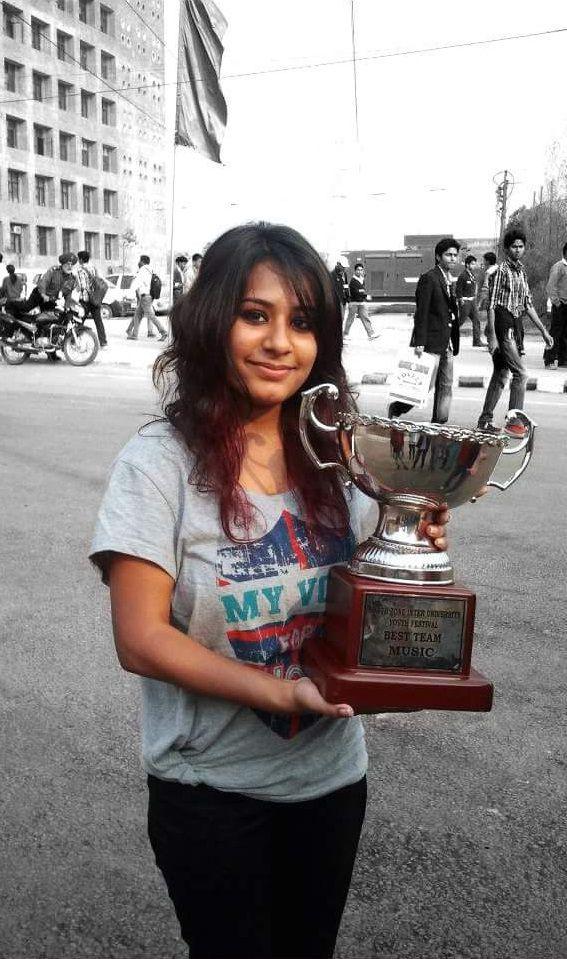 Shilpa Surroch - AIU Nagpur - Best Singer