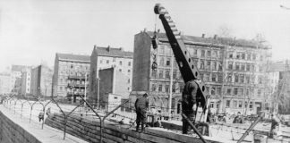 things you didnt know about the Berlin Wall