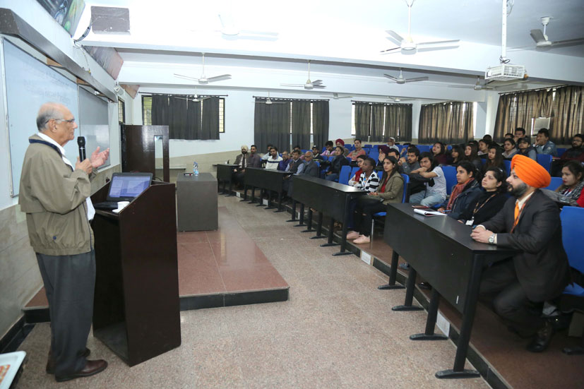 American Geography Professor of Drake University interacted with LPU Students